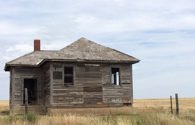 Abandoned building, west-central Kansas: a time-honored photo cliché